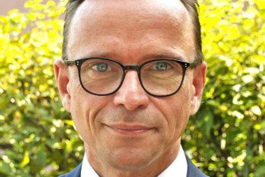 Portrait von Steffen Glaubitz. Er ist Abteilungsleiter Rehabilitation und Leistungen bei der Unfallkasse Berlin.