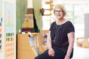 Portrait von Birgit Uhrig. Sie ist Leiterin der Evangelischen Kindertagesstätte Nordheim.