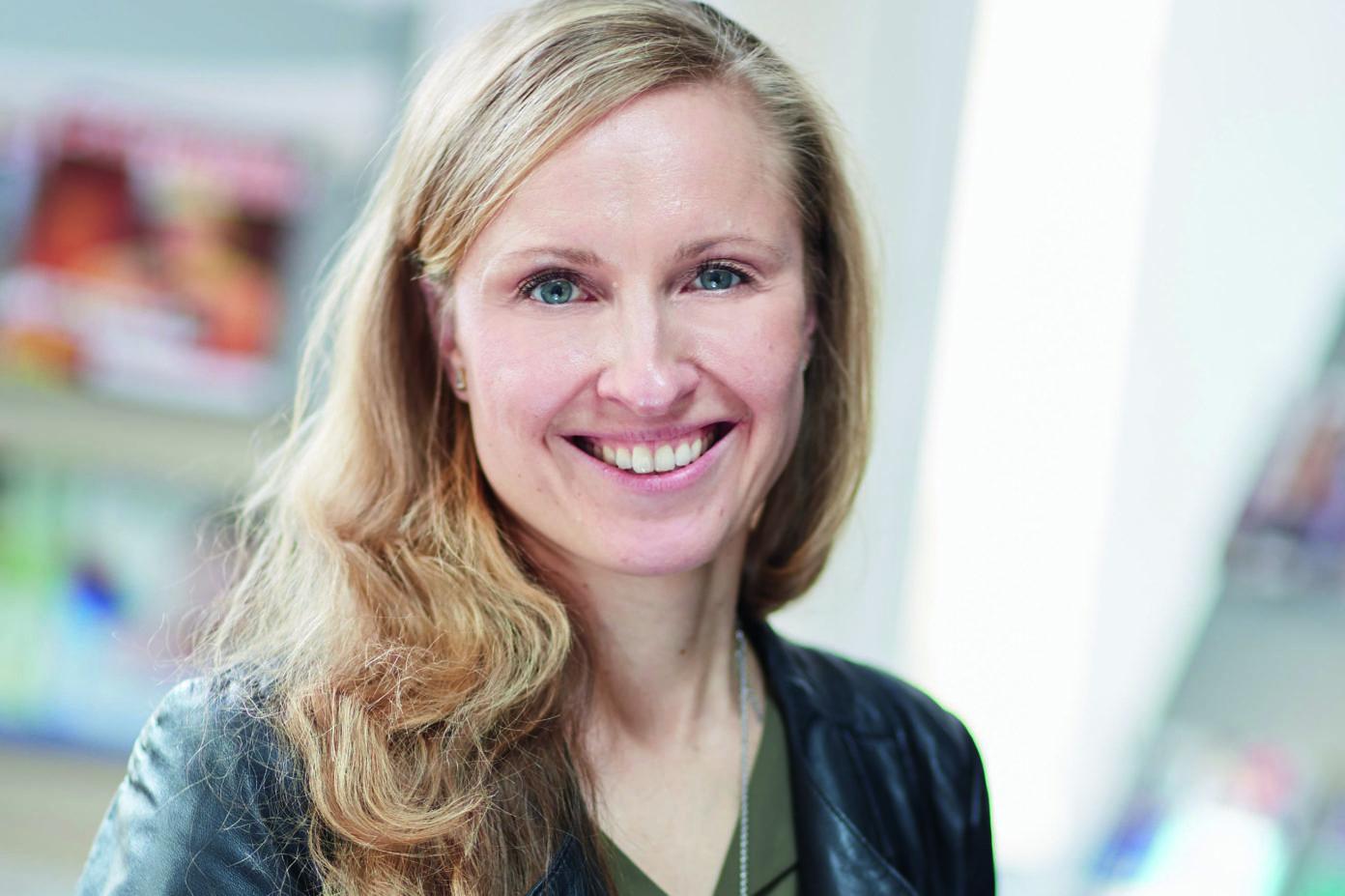 Portrait von Dr. Diana Herrmann. Sie ist Referentin Bildung und Gesundheit der DGUV und Mitglied des Redaktionsbeirats der KinderKinder.